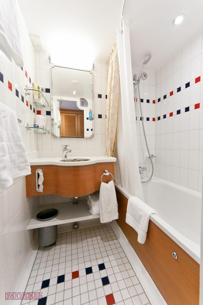 Stateroom 9674 - Split Bath Shower