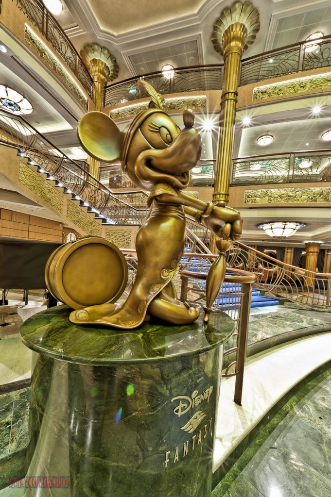 Mademoiselle Minnie Mouse