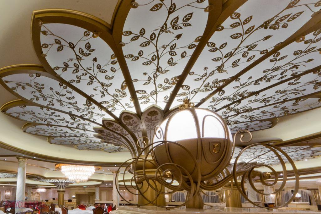 Royal Court - Pumpkin Carriage Light