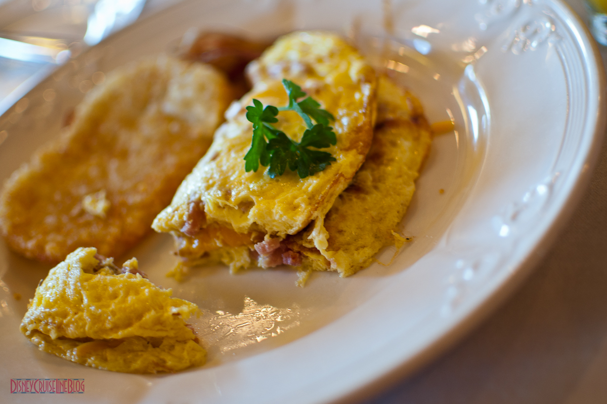 Lumiere's Breakfast - Ham and Cheese Omlet