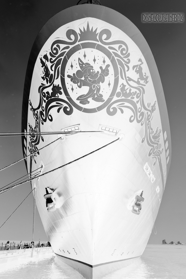 Disney Magic Bow B&W II iPhone Wallpaper