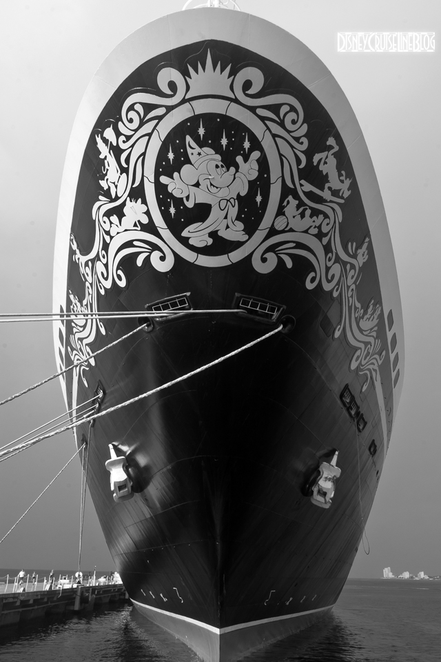 Disney Magic Bow B&W iPhone Wallpaper