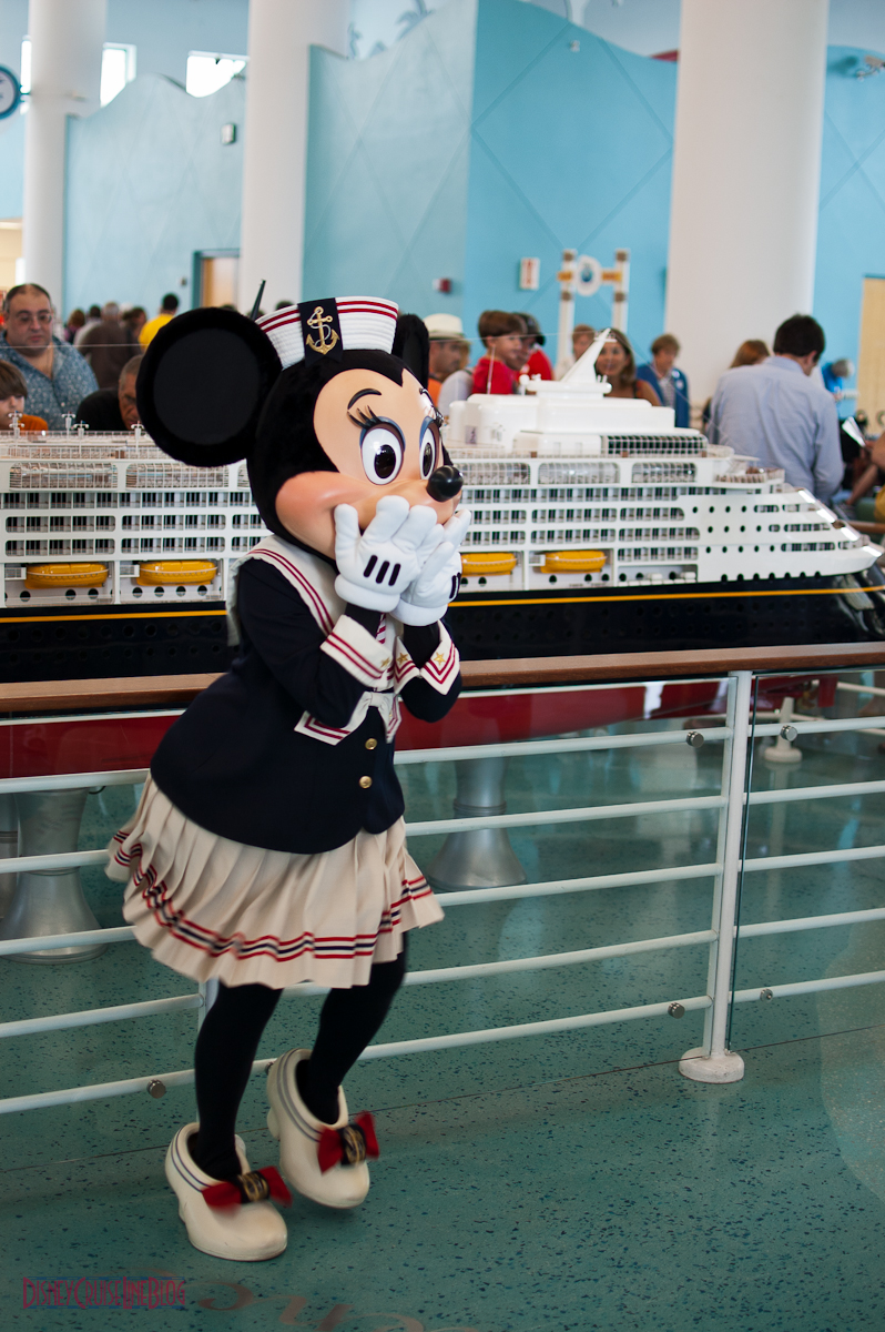 Minnie Mouse Port Canaveral Meet & Greet