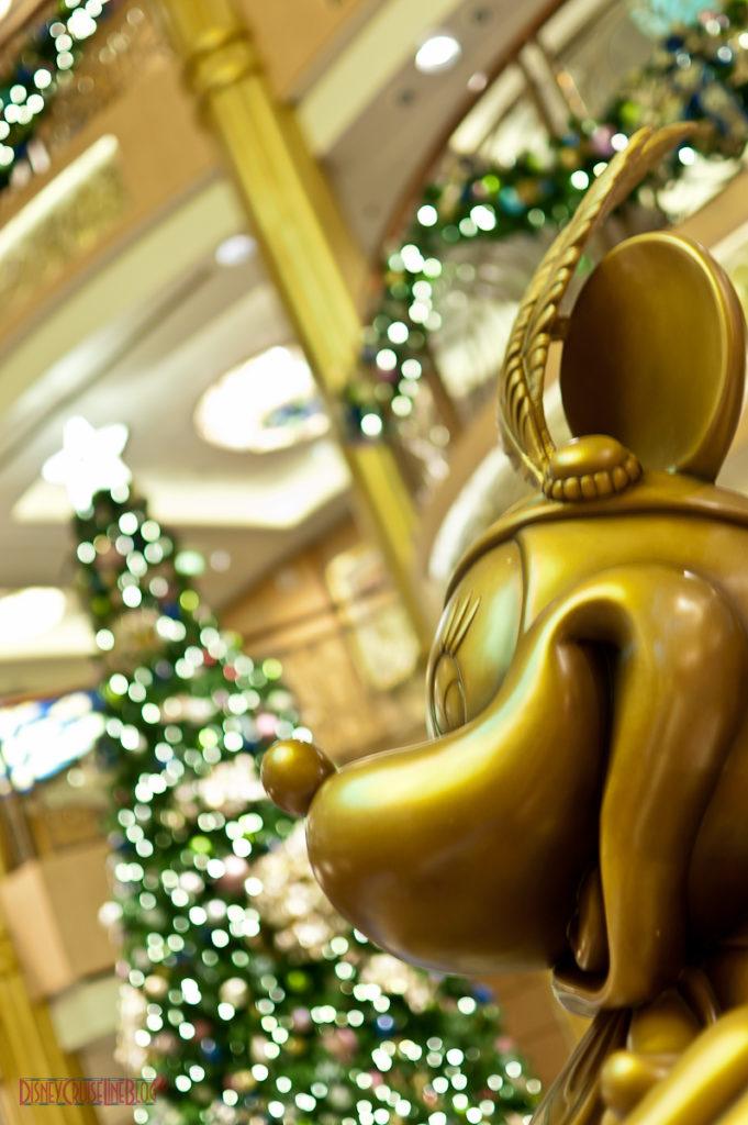 Mademoiselle Minnie's Christmas Tree