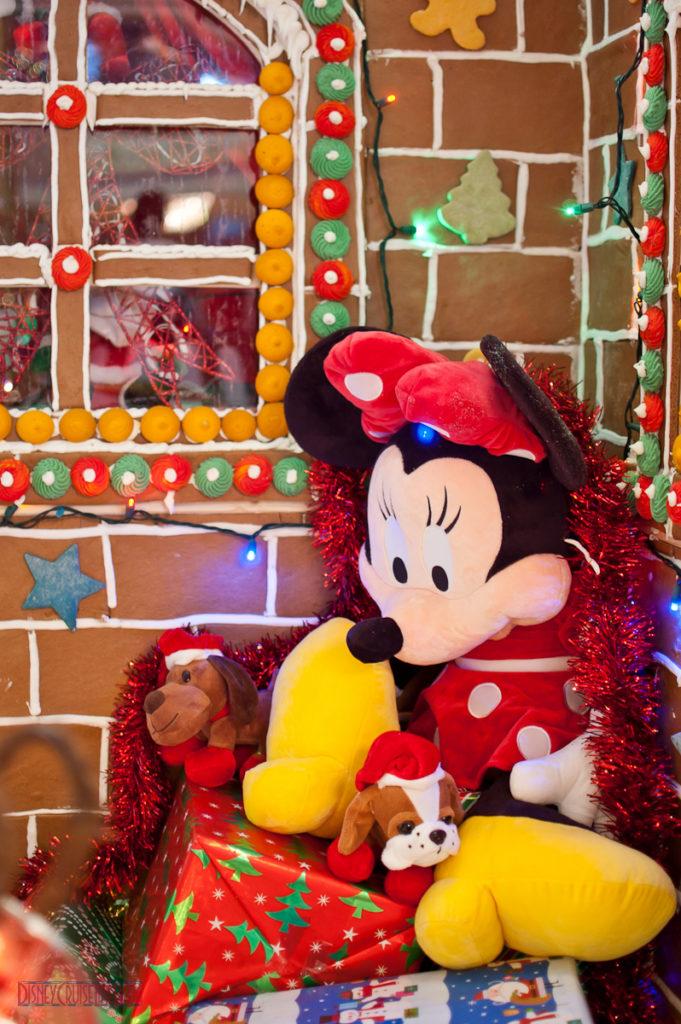 Disney Fantasy Gingerbread House - Minnie