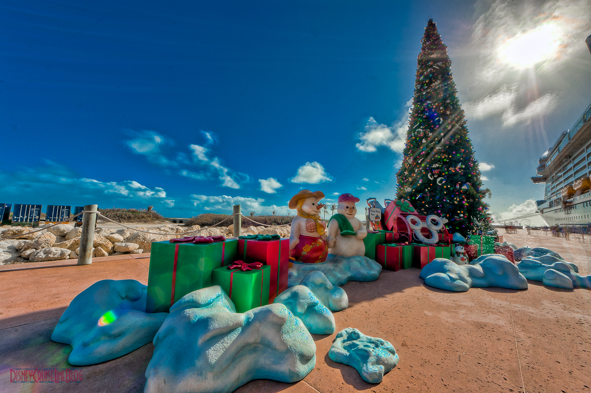 castaway cay christmas tree on pier