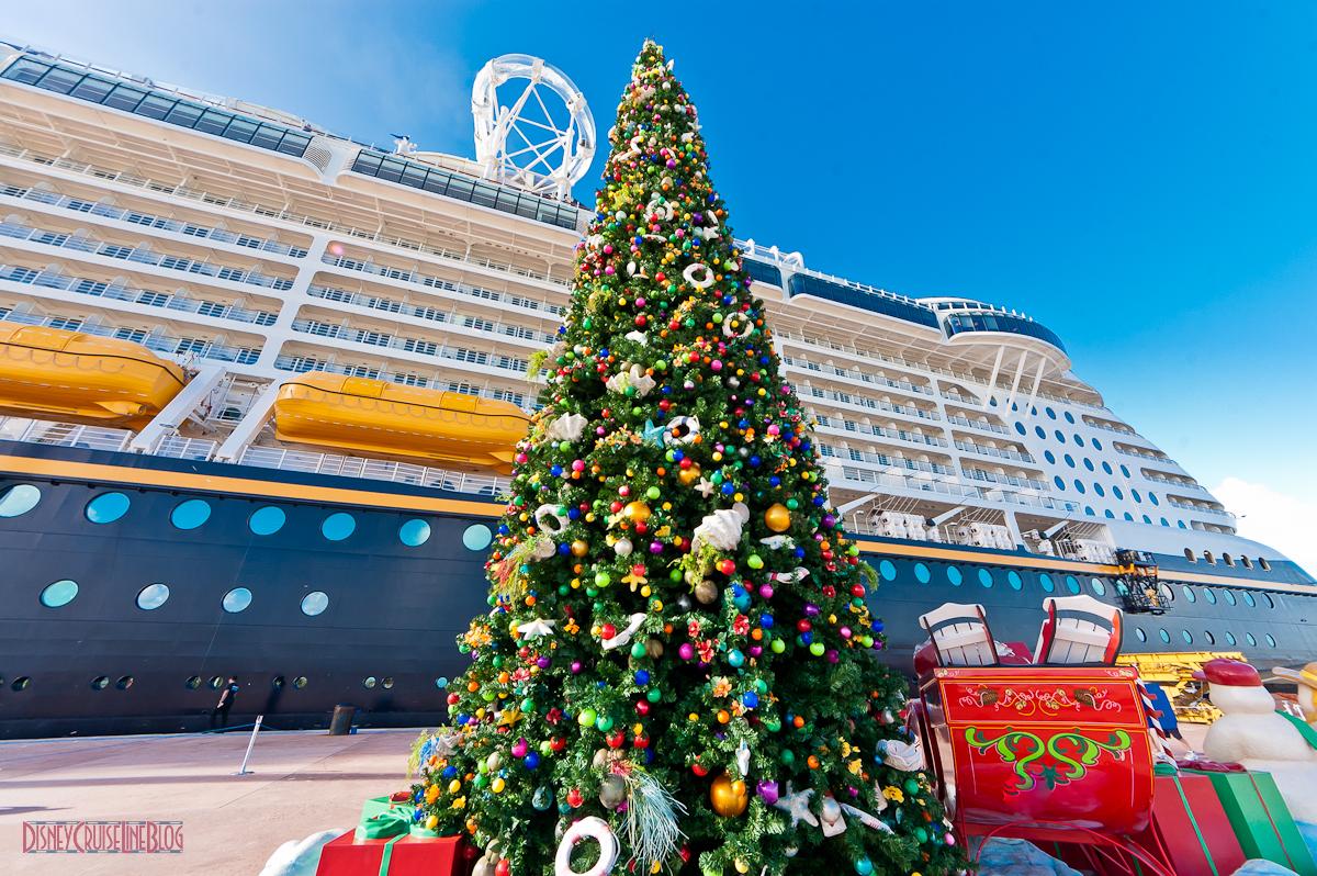 castaway cay christmas christmas treeduck ii - Disney Christmas Cruise
