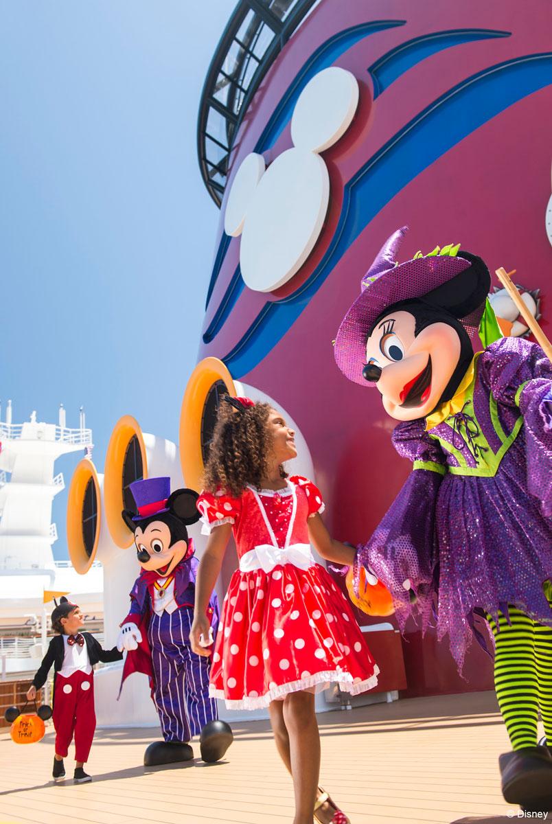 Halloween On The High Seas Mickey Minnie Funnel 2013