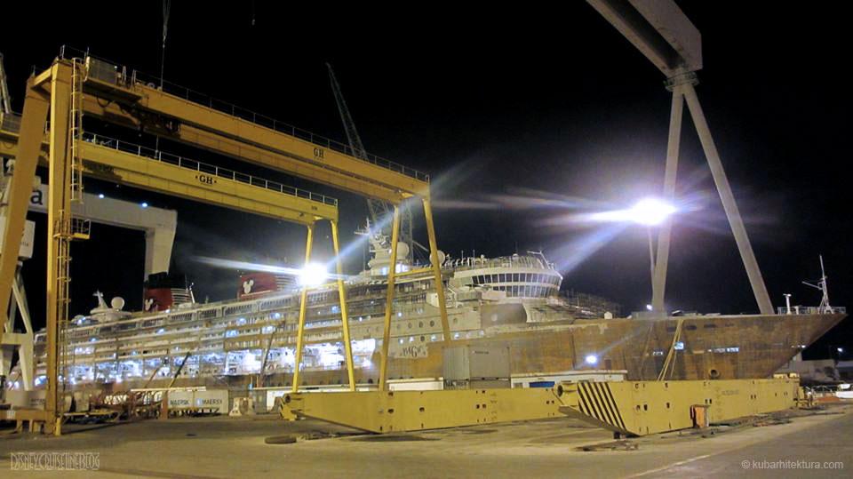 Disney Magic Dry Dock Cadiz KUB Bow Dock Night