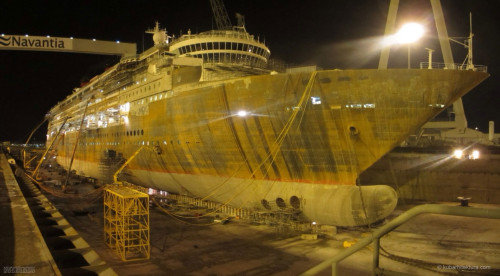 Disney Magic Dry Dock Cadiz KUB Bulbus Bow Night