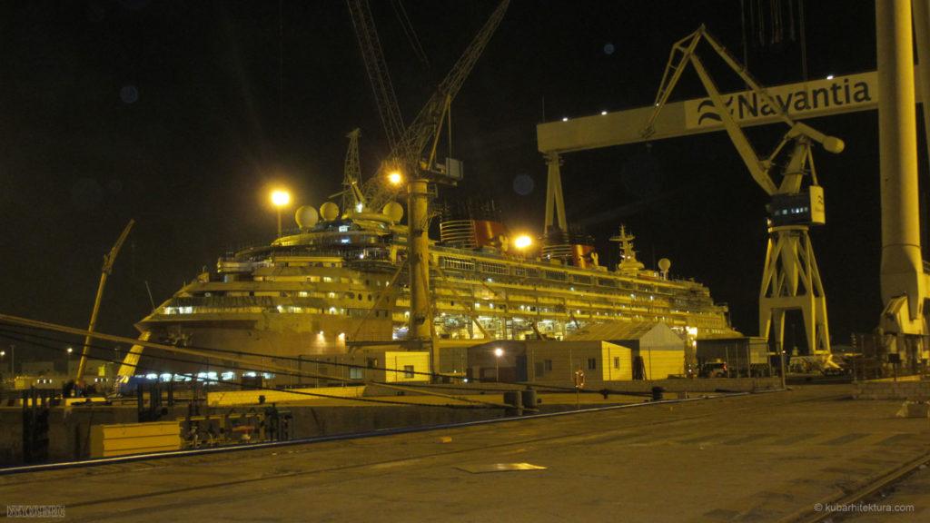 Disney Magic Dry Dock Cadiz KUB Starboard Dock Night