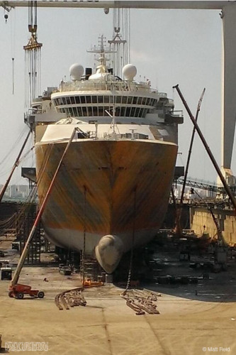 Disney Magic Dry Dock Cadiz Sep 22 Stripped Bow
