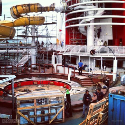 Disney Magic Dry Dock Cadiz AquaLab Twist N' Spout
