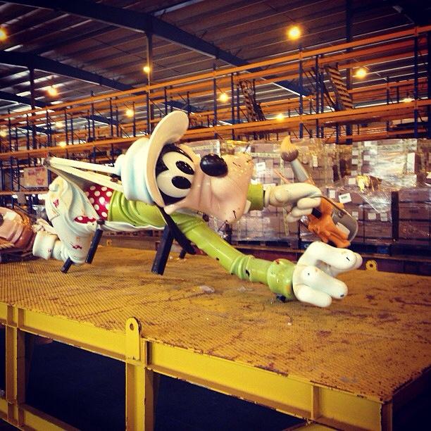 Disney Magic Dry Dock Cadiz DCL Goofy Stern Character