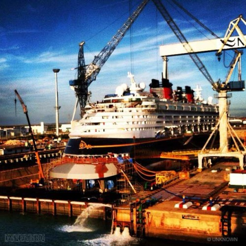 Disney Magic Dry Dock Cadiz Fresh Paint Stern Ducktail