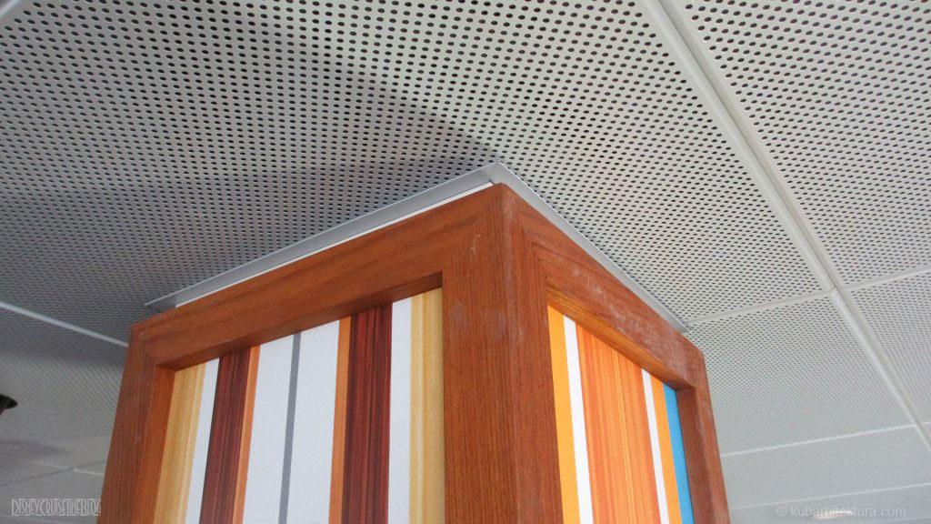Disney Magic Dry Dock Cadiz KUB Cabanas Column