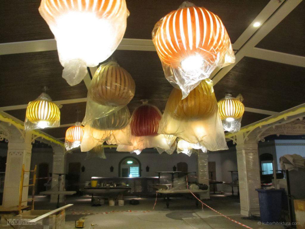 Disney Magic Dry Dock Cadiz KUB Cariocas Lanterns
