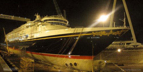 Disney Magic Dry Dock Cadiz KUB Paint Bow Starboard