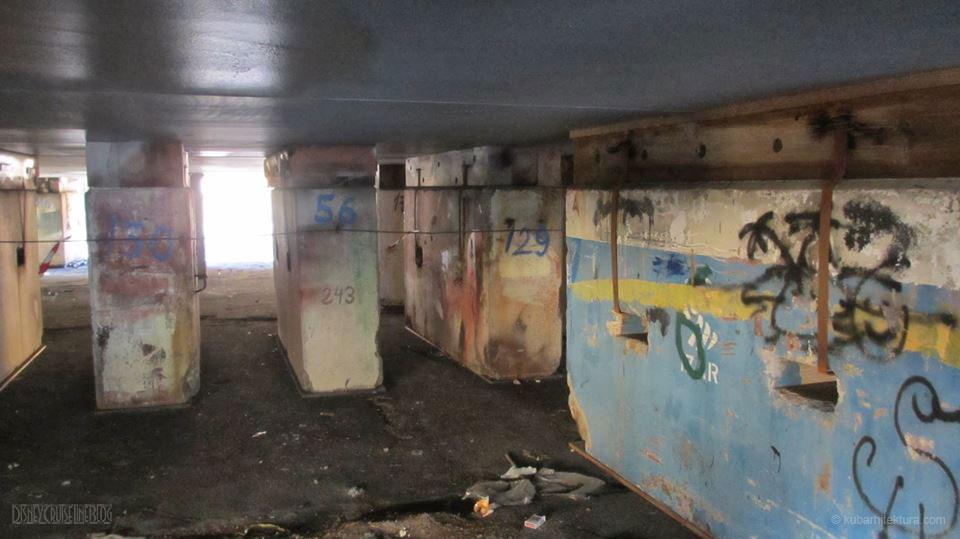 Disney Magic Dry Dock Cadiz KUB Paint Keel Concrete Blocks