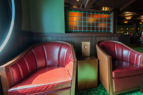 Disney Magic O'Gills Porthole Seating