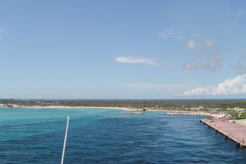 Disney Wonder Arriving At Castaway Cay