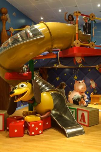 Disney Magic Oceaneer Club Andy's Room Slide
