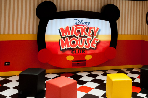 Disney Magic Oceaneer Club Mickey Mouse Club TV