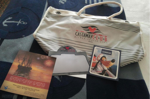 DCL Silver Castaway Club 2014 Gift Tote Contents