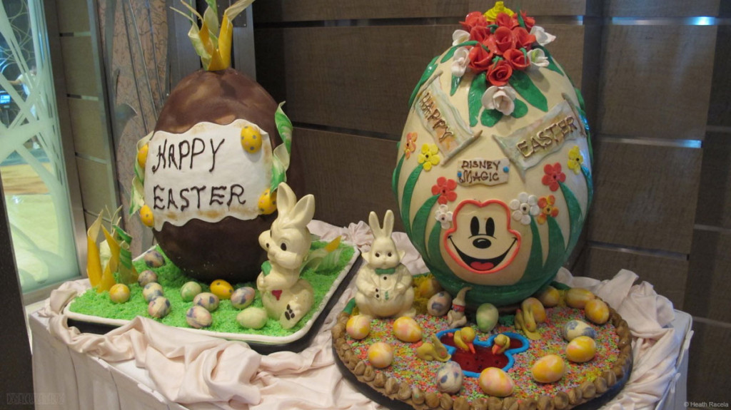 Disney Magic Lumieres Chocolate Easter Egg