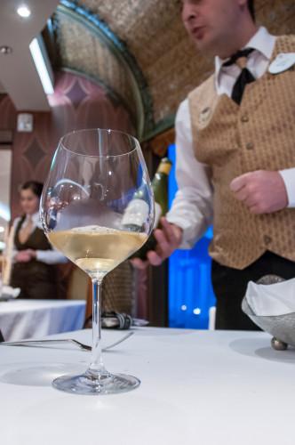 Palo Wine Pairing Cervaro Della Sala Antinori 2008 Pour