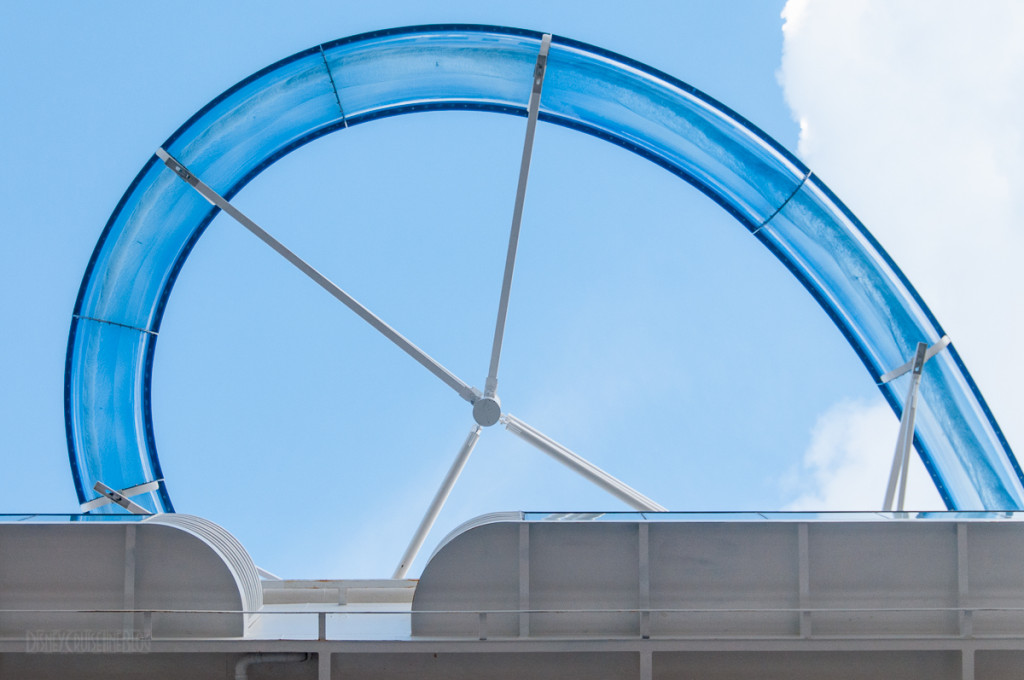AquaDunk Overhang