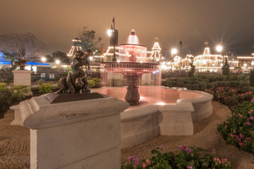 Magic Kingdom Hub Fountain Pluto