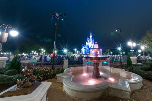 Magic Kingdom Hub Fountain Cinderella Castle