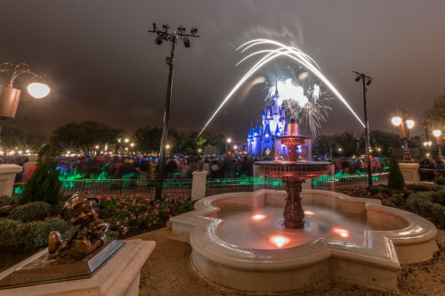 Magic Kingdom Hub Fountain Wishes Shooting Stars