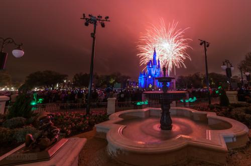Magic Kingdom Hub Fountain Wishes Orange Glow