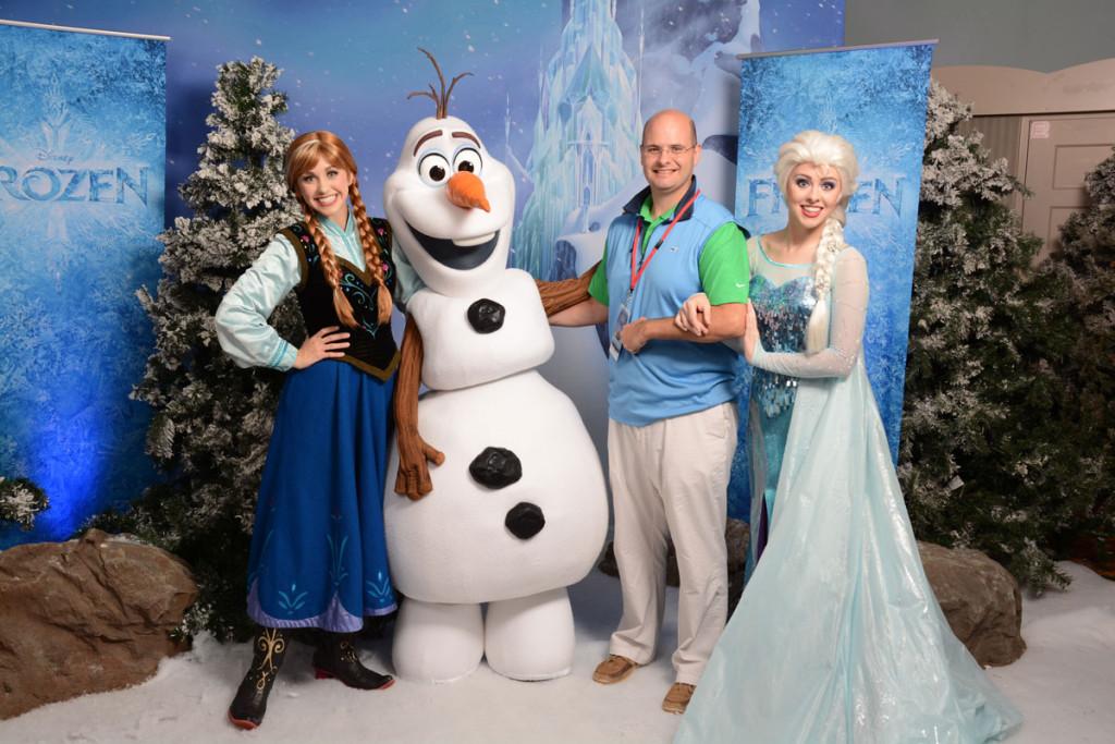 DCL Meet Up Frozen Anna Elsa Olaf
