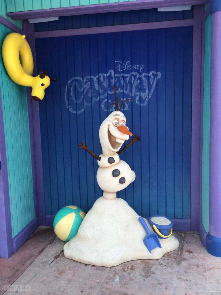 DCL Summertime Freeze Olaf Photo Op