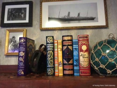Magic 2015 Dry Dock Edge Books Decorations
