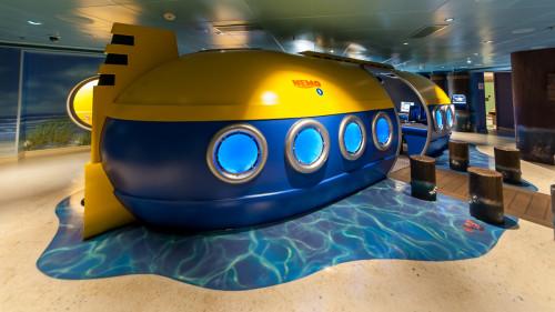 Oceaneer Club Nemo Sub Disney Fantasy