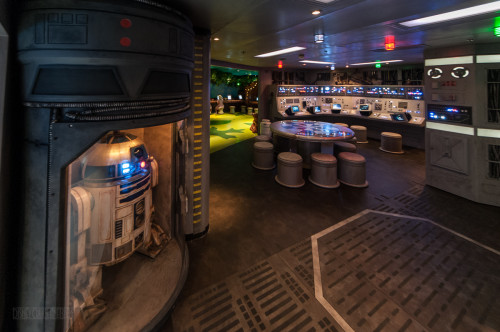 Star Wars Millenium Falcon Port Side Area Oceaneer Club Disney D