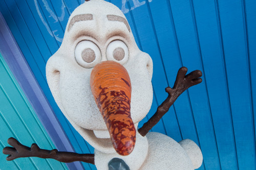 Castaway Cay Summertime Freeze Olaf Warm Hugs