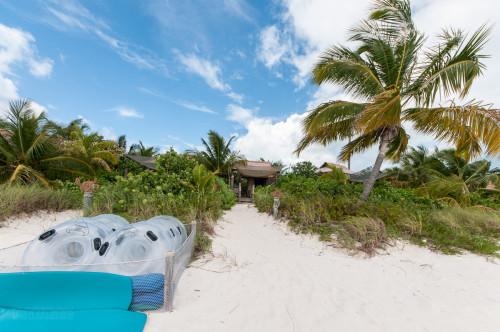 Family Beach Cabana 6 Rafts And Floats