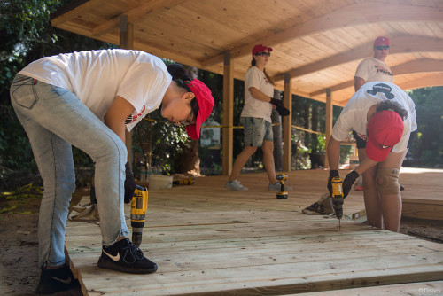 Disney Cruise Line VoluntEARS At Pine Island Conservation Area Drilling