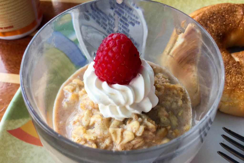 Cabanas Breakfast Cold Apple Cinnamon Oatmeal