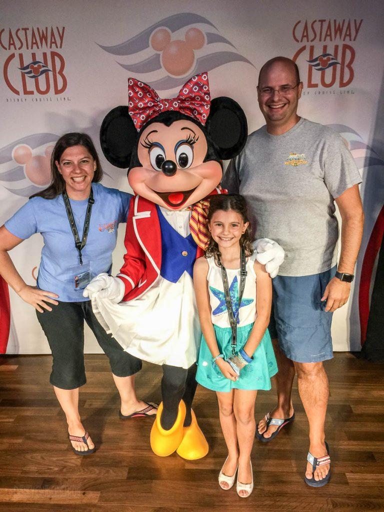 Castaway Club Reception Minnie Mouse