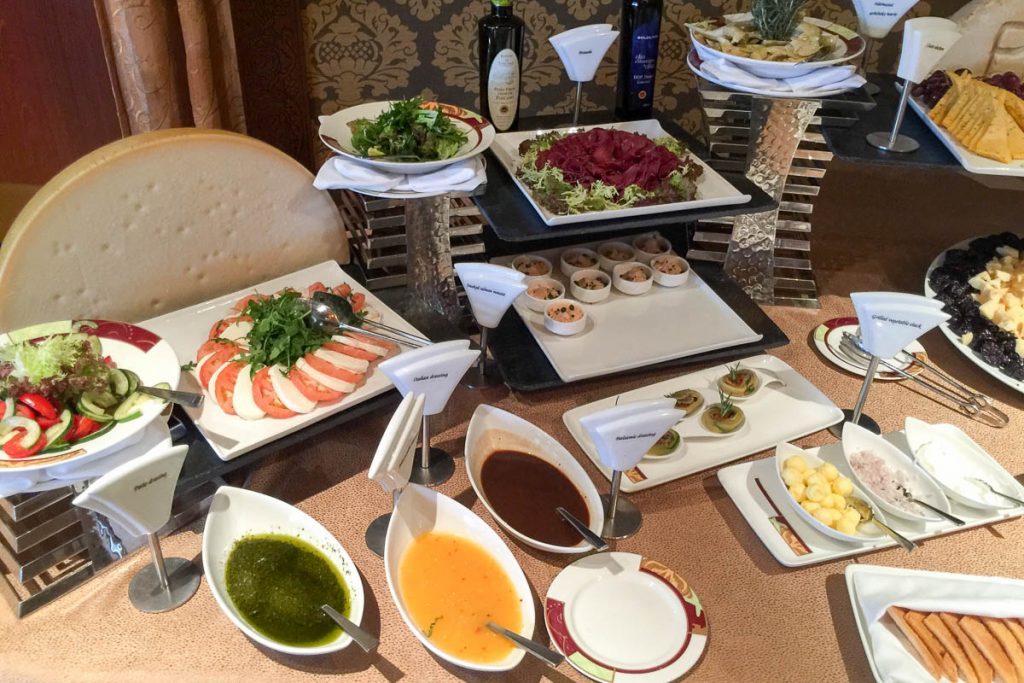 Palo Brunch Buffet Meats & Cheese 2