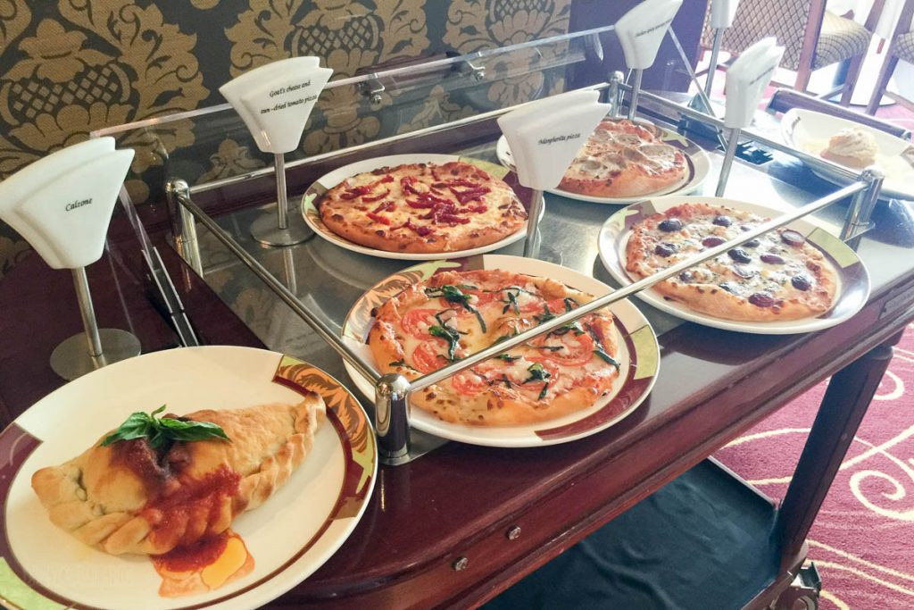 Palo Brunch Buffet Pizzas