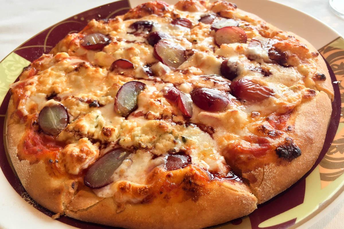 Palo Brunch Gorgonzola And Grape Pizza