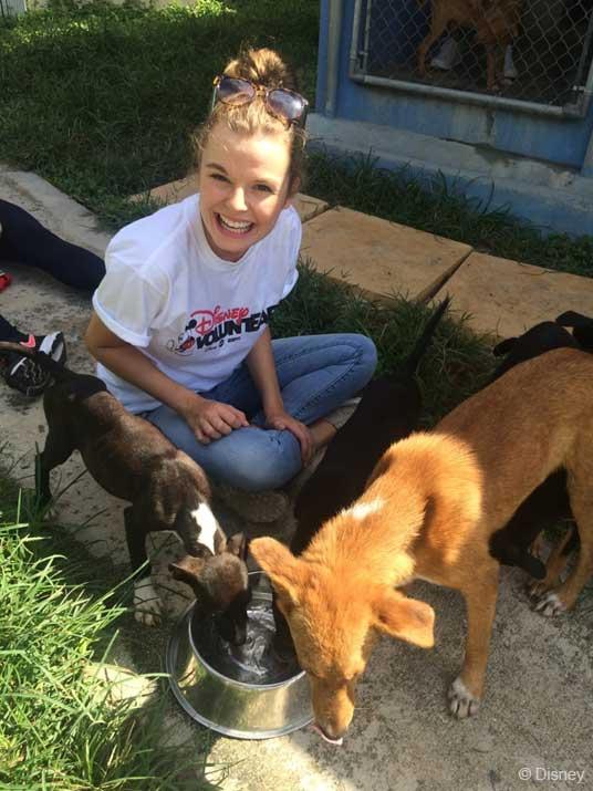 Voluntears Bahamas Humane Society Courtney Wersick