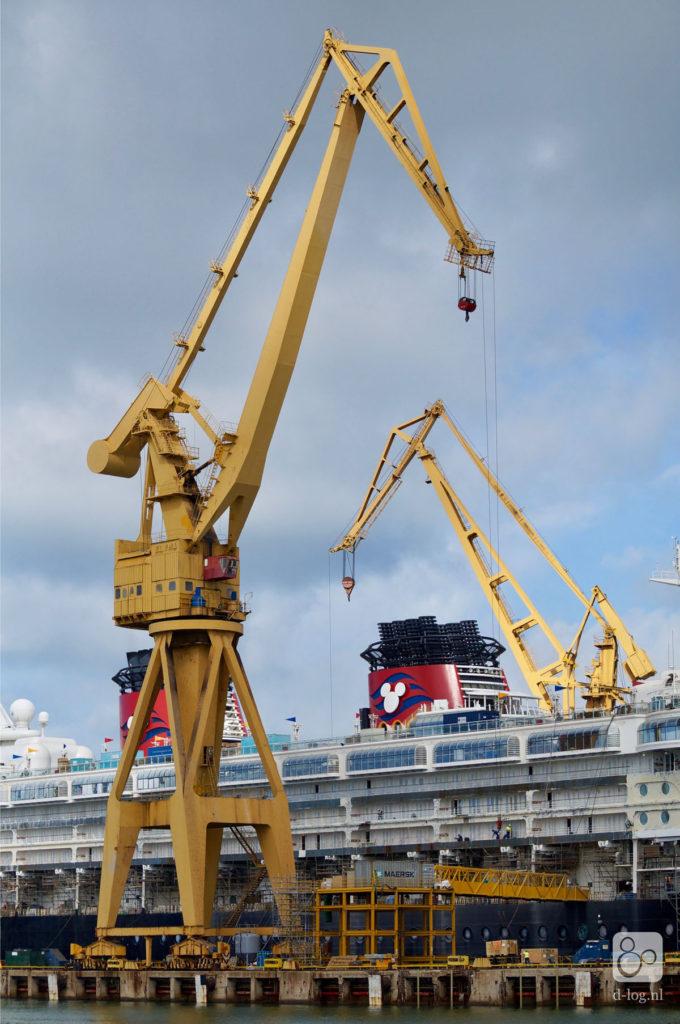 Wonder Dry Dock 2016 Cranes 1